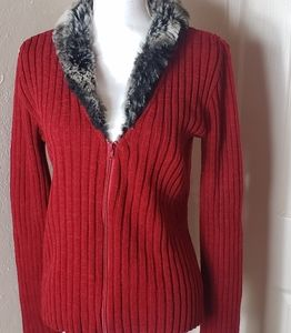 Zip up red sweater faux fur collar